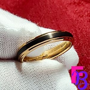 Size 7.5 4mm Black & Rose Gold Tungsten Carb…